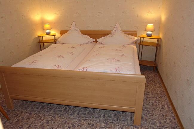 Wohnung 3 - Schlafzimmer 1